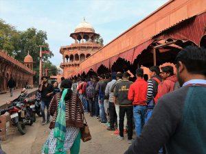 The queue to enter Taj Mahal