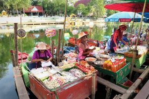the sellers on the river of Klong Hae Floating Market