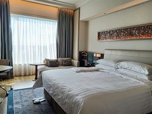 Stay at Newly Renovated Shangri-La Hotel Surabaya