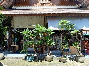 Triwindu Antique Market Ngarsopuro Solo
