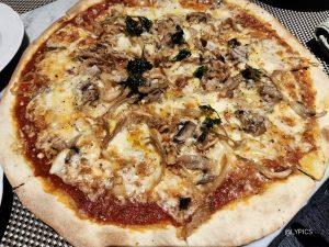 Best Pizza at La Regina Ristorante Italiano Malang